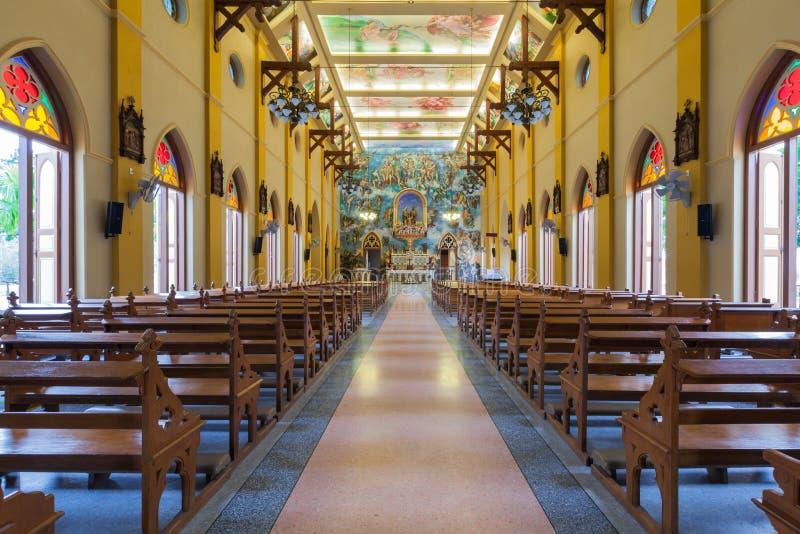 PATHUMTANI, TAILÂNDIA - 28 DE FEVEREIRO: Os interiores do católico c fotos de stock royalty free