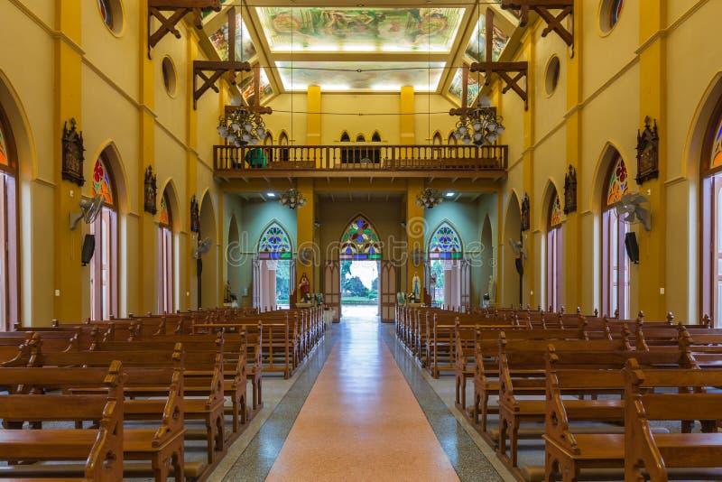 PATHUMTANI THAILAND - FEBRUARI 28: Inre av katolik c royaltyfri foto