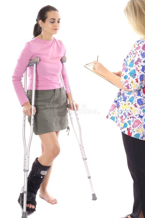 Patiënt die op rekening wacht stock afbeelding