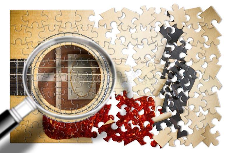 Patiens och passion som ska läras att spela den steg-för-steg gitarren - begreppsbild i pusselform som igenom ses ett förstorings fotografering för bildbyråer