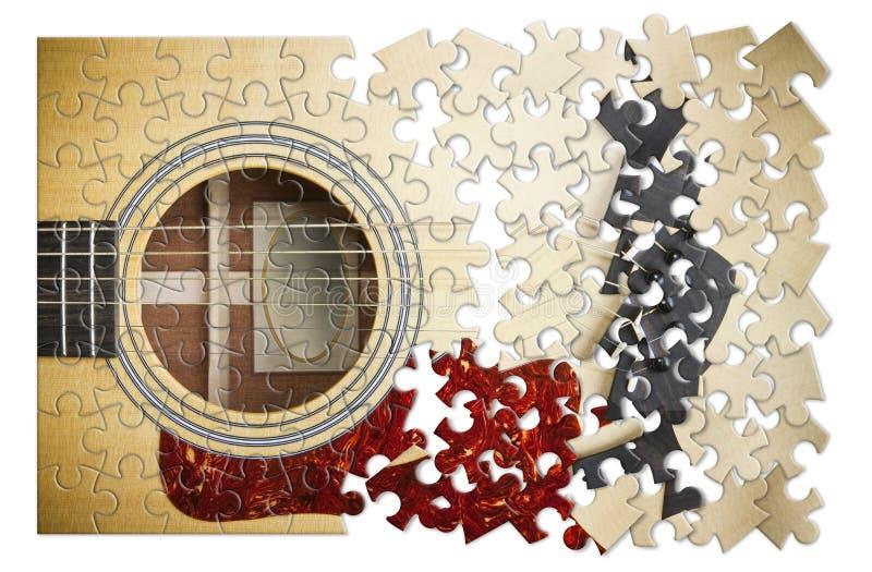 Patiens och passion som ska l?ras att spela den steg-f?r-steg gitarren - begreppsbild i pusselform royaltyfri fotografi