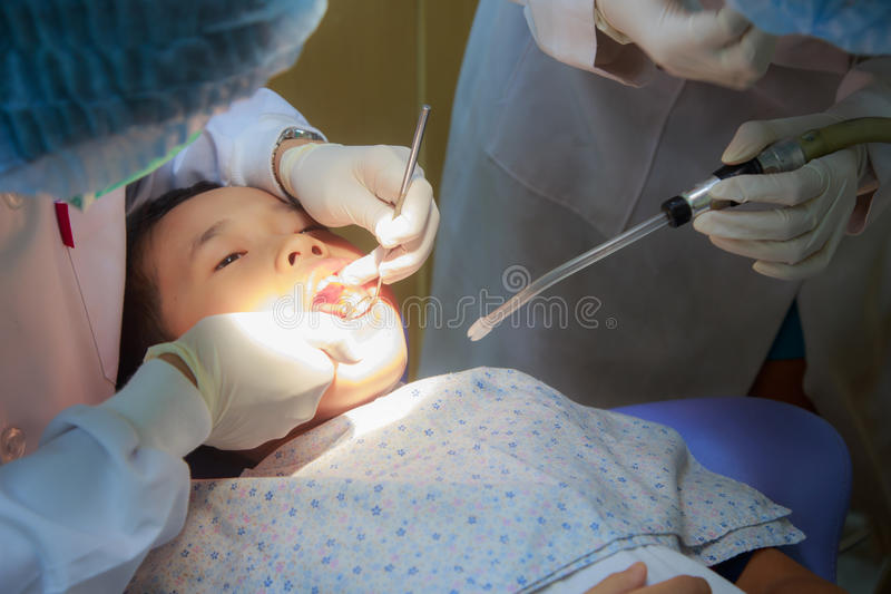 Patient an der zahnmedizinischen Klinik stockfotografie