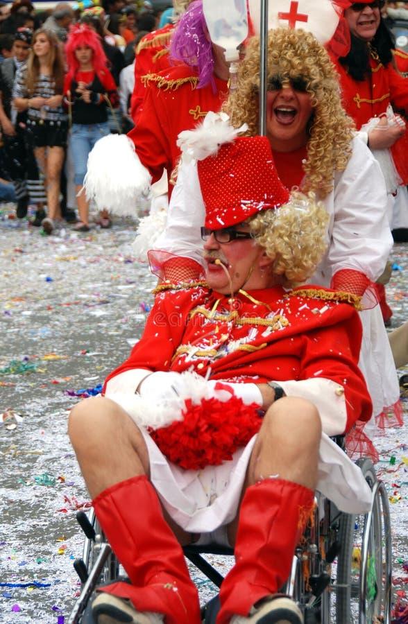Patient et infirmière pendant un défilé de carnaval image stock
