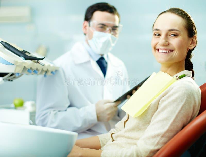 Patient heureux image stock