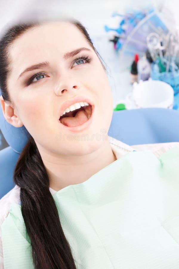 Patient heureux, fin vers le haut image libre de droits