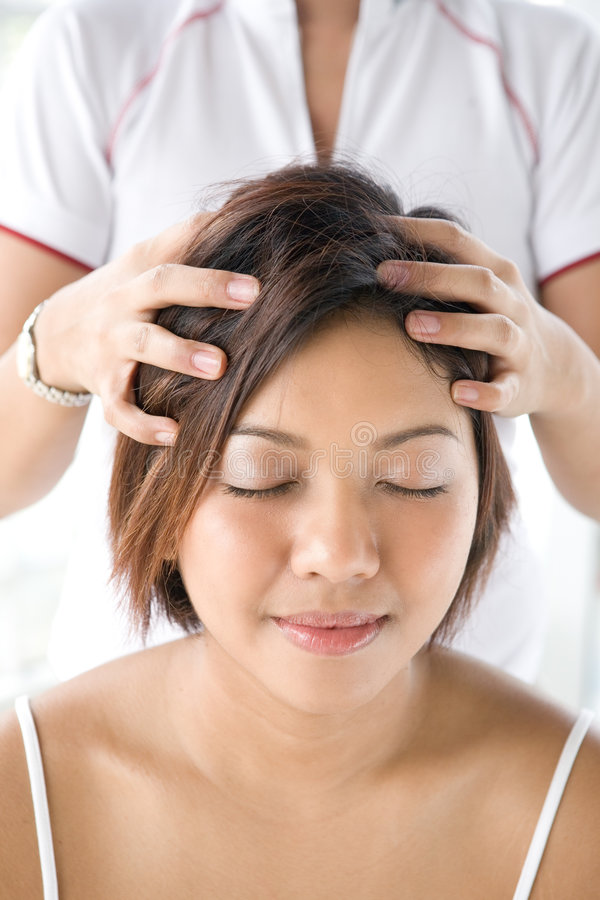 Free Patient Receiving Head Massage Royalty Free Stock Image - 4696276