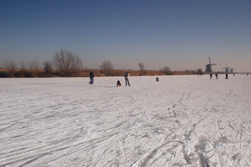 Patinadores en el hielo fotografía de archivo libre de regalías