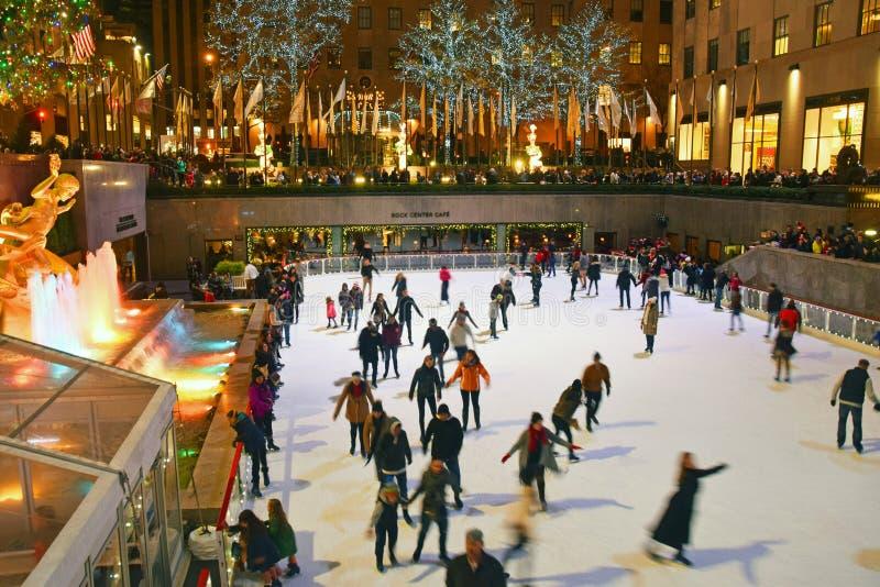 Patinage de glace de New York City de centre de Rockefeller photo libre de droits