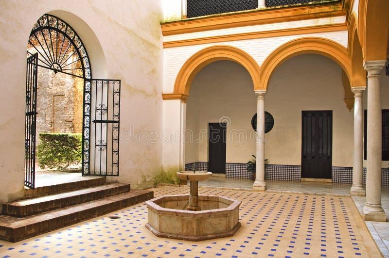Patio andaluz foto de archivo libre de regal as imagen - Fotos patio andaluz ...