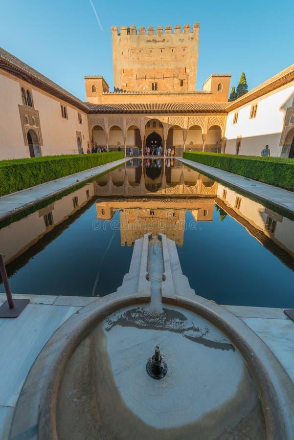 Patio Arrayanes στα παλάτια Nasrid, Alhambra, Γρανάδα στοκ φωτογραφίες