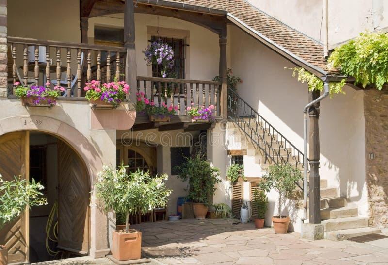 Patio d'Alsace image libre de droits