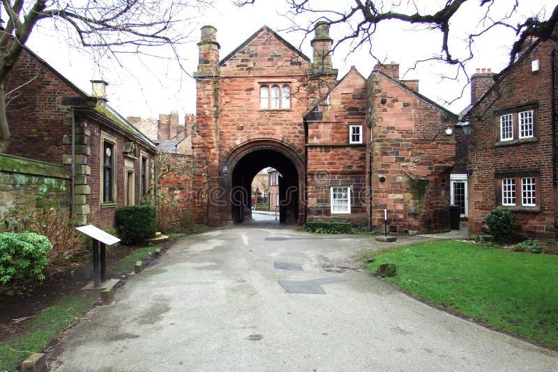 Patio de Carlisle Cathedral imagenes de archivo