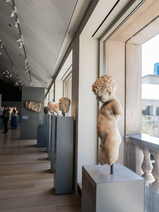 Patio de desatención de la galería en Chicago Art Institute fotos de archivo