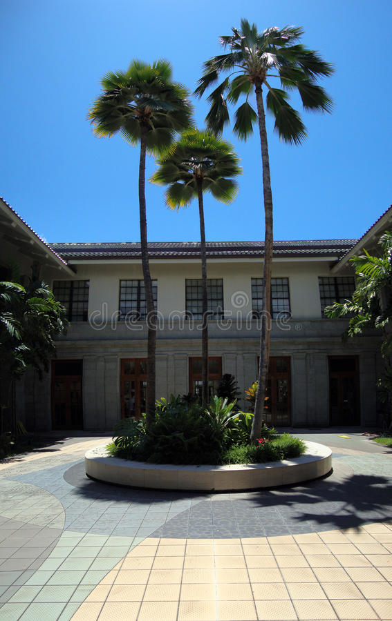 Patio de la biblioteca de estado de Hawaii imágenes de archivo libres de regalías