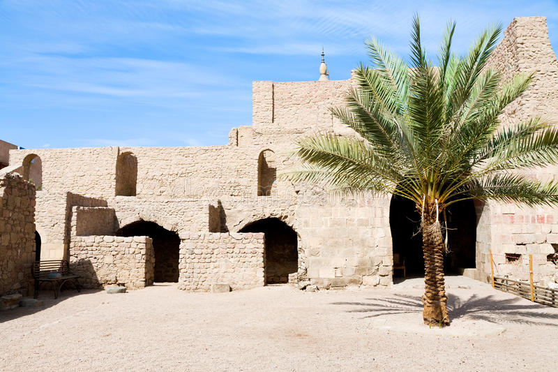 Patio de la fortaleza medieval de Mamluks en Aqaba imagenes de archivo