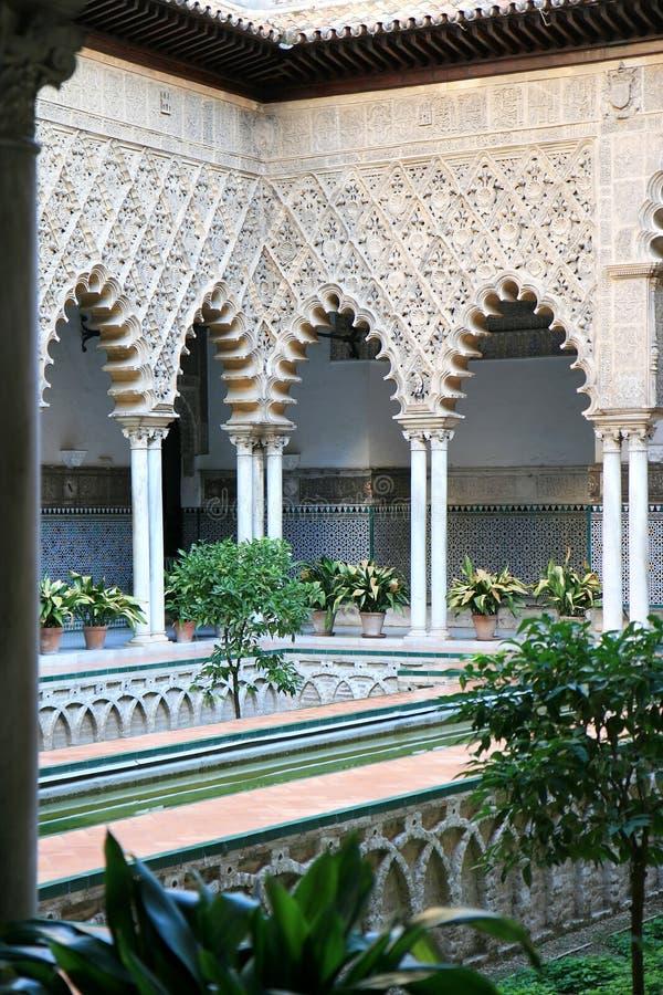 Patio de las Doncellas in Alcazar, Siviglia, Spagna immagini stock libere da diritti