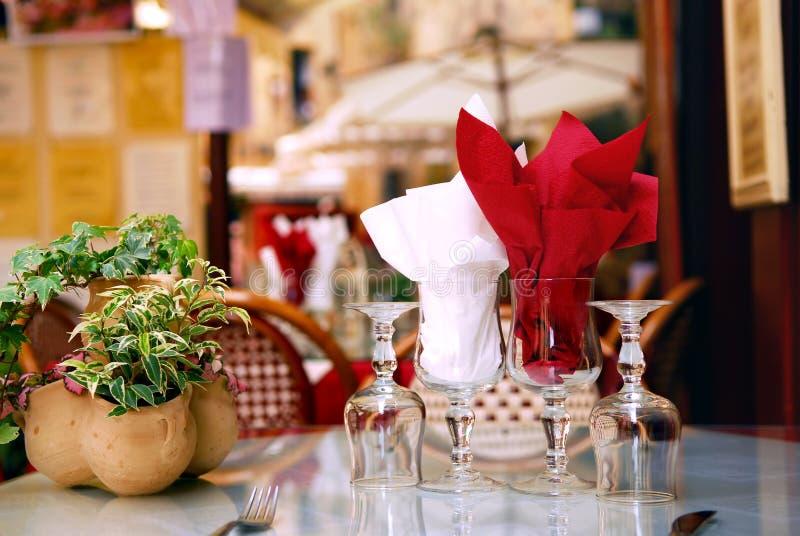 Patio de restaurant images libres de droits