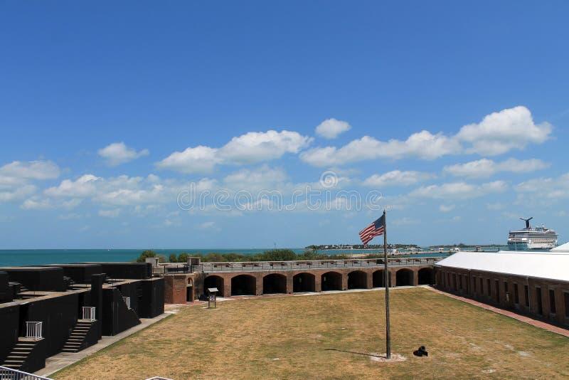 Patio de taylor del fuerte y bandera americana foto de archivo libre de regalías