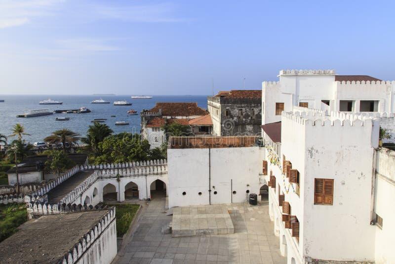 Patio del palacio del sultán - Zanzíbar foto de archivo