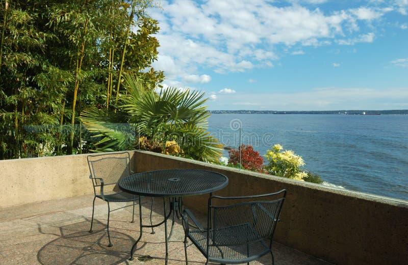 patio domku na plaży zdjęcie stock
