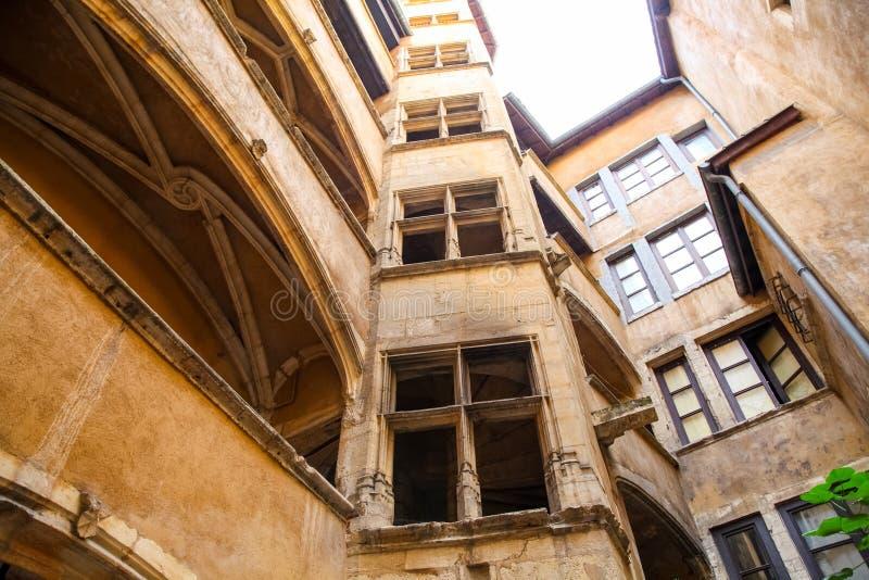 Patio en Lyon imagen de archivo