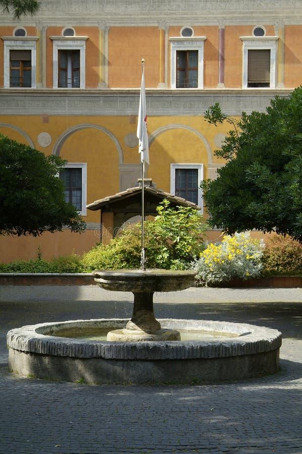 Patio en Roma foto de archivo libre de regalías
