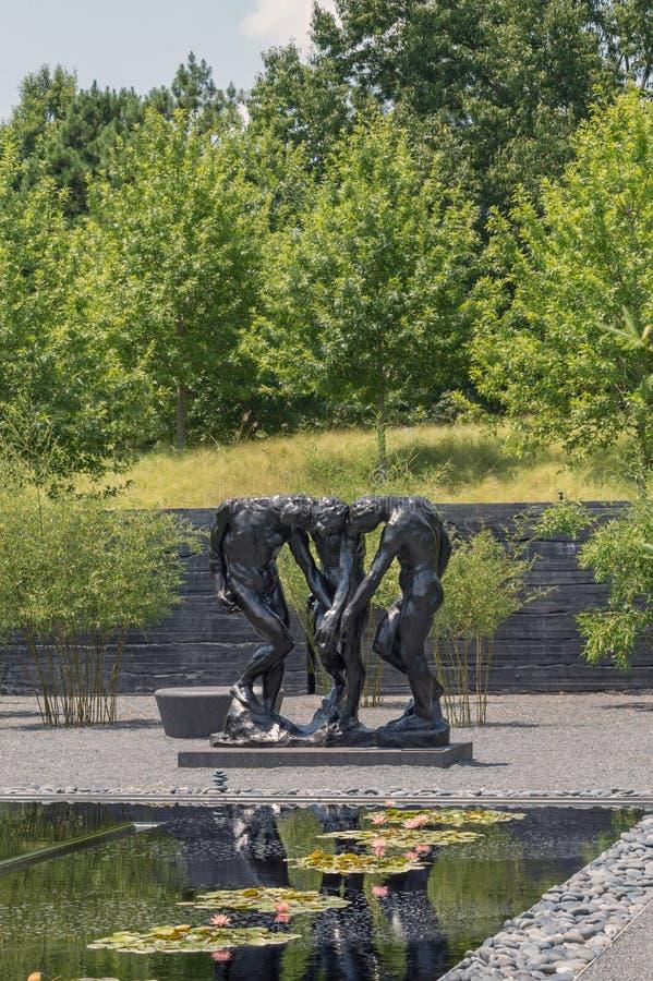 Patio exterior Rodin Statues de Carolina Museum del norte del arte imagen de archivo libre de regalías
