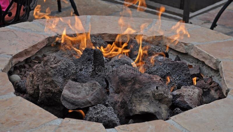 Patio-Feuer-Grube lizenzfreie stockbilder