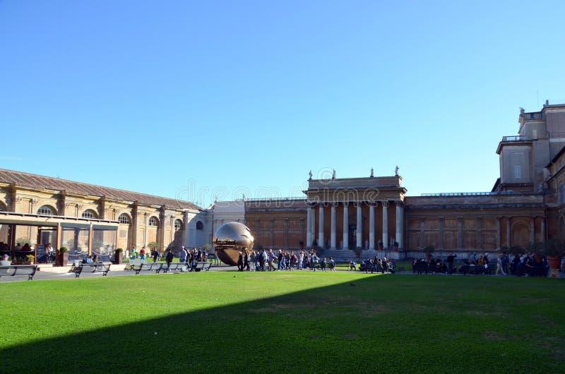 Patio interior de Vatican imágenes de archivo libres de regalías