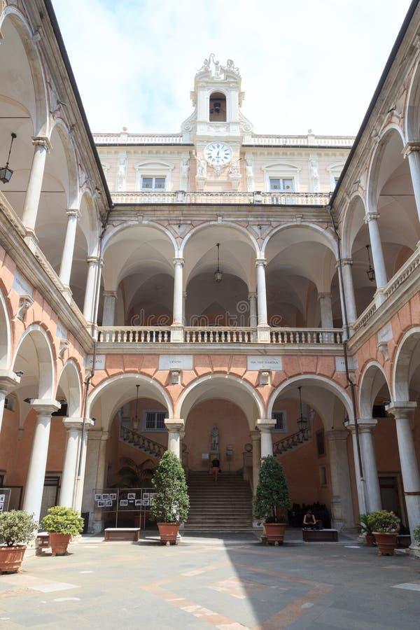 Patio interno del palacio Palazzo Doria Tursi, Génova foto de archivo