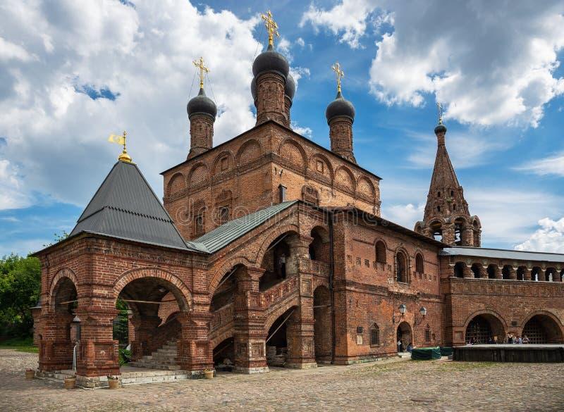 Patio patriarcal antiguo del claustro de Krutitsy en Moscú imagen de archivo
