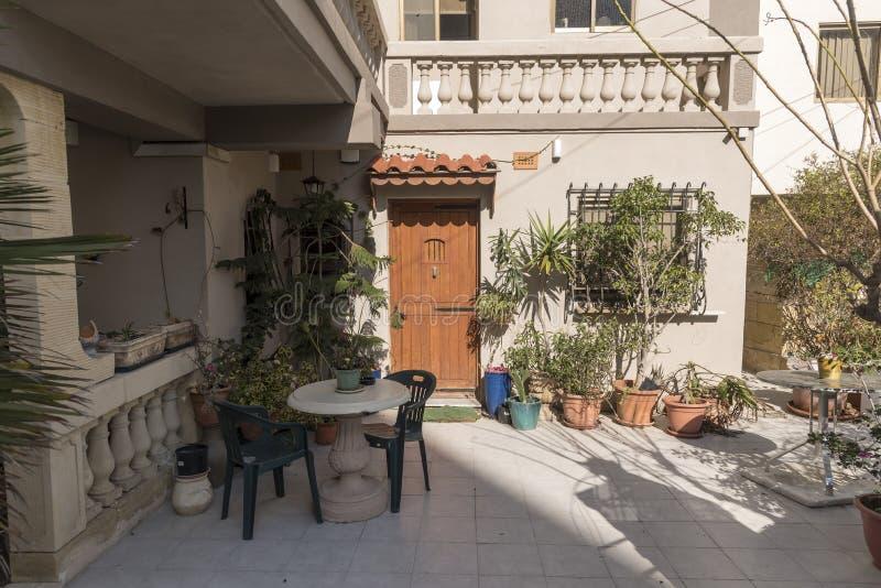 Patio privado en Bugibba Malta imagen de archivo