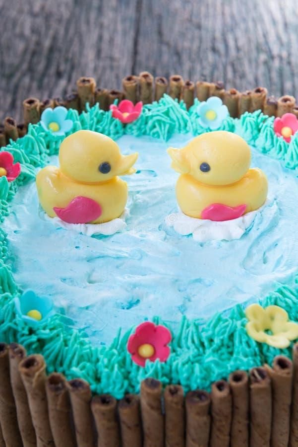 Pato da geleia no bolo bonito imagens de stock