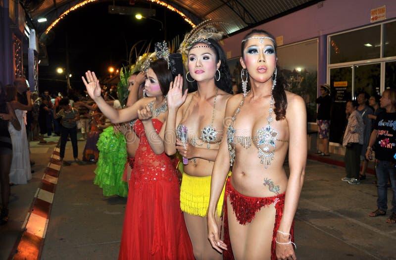 Patong, Thaïlande : Interprètes de Ladyboy images stock