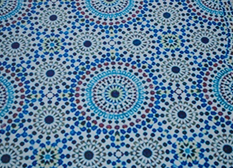 Patrón de estilo marroquí en el techo del pabellón en el jardín botánico internacional en Chiangmai, Tailandia fotos de archivo
