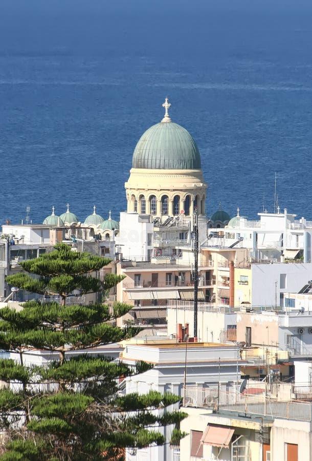 Patra, взгляд города и собора St Andrew стоковые изображения