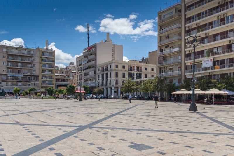PATRASSO, GRECIA 28 MAGGIO 2015: Punto di vista panoramico di re George I Square a Patrasso, il Peloponneso, Grecia fotografie stock