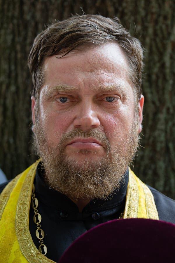 Patriarcat ukrainien de Moscou d'église orthodoxe de paroissiens pendant le cortège religieux Kiev, Ukraine photos stock