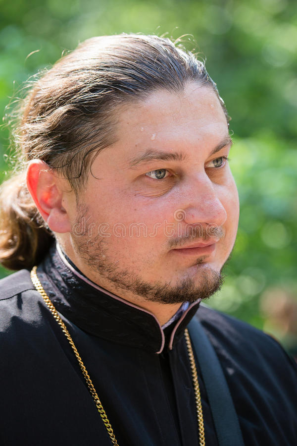 Patriarcat ukrainien de Moscou d'église orthodoxe de paroissiens pendant le cortège religieux Kiev, Ukraine photo stock