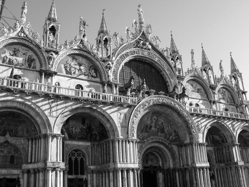 Patriarchalische Basilika in St Mark Quadrat in Venedig Detail stockbilder