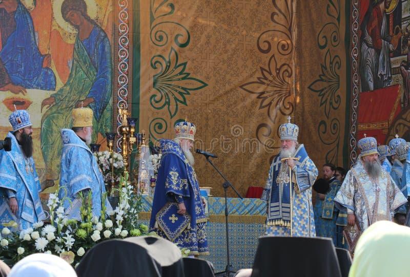 Patriark av Moscow och all Ryssland Kirill celebrat royaltyfria foton