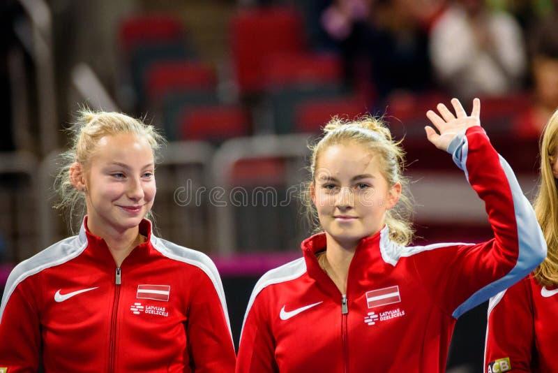Patricija Spaka e Daniela Vismane imagens de stock