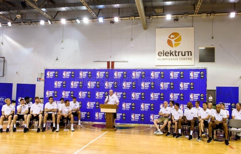 Patrick Hunt, världsanslutning av presidenten för baskettränare WABC och direktör av basket utan gränser BWB arkivfoto