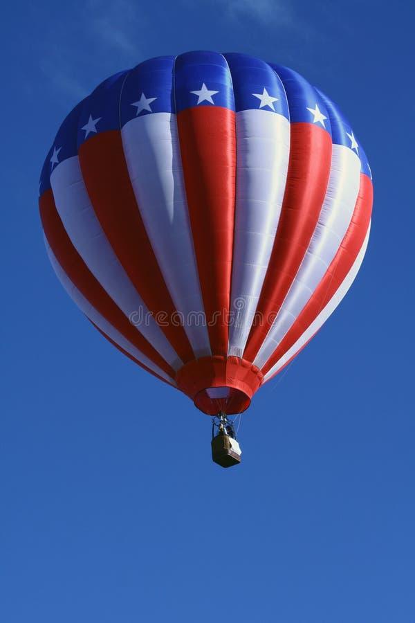 Patriotischer Heißluft-Ballon stockfotografie