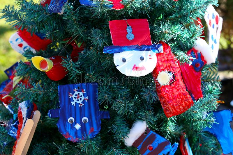 Patriotiskt julträd i Fort Myers, Florida, USA royaltyfri foto