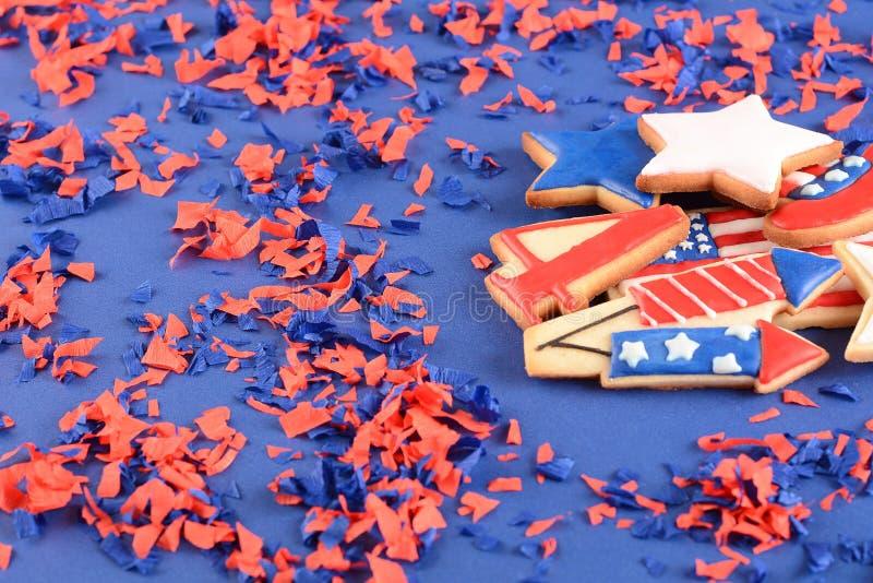 Download Patriottische Koekjes Voor 4 Van Juli Stock Afbeelding - Afbeelding bestaande uit viering, gekleurd: 114225495