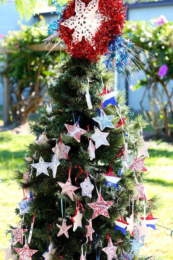 Patriotyczna choinka w forcie Myers, Floryda, usa zdjęcie royalty free
