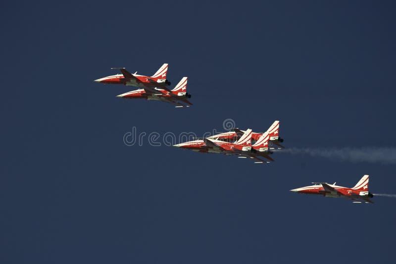 Download Patroille Suisse I Bildande Redaktionell Arkivfoto - Bild av airshow, vingar: 37345213
