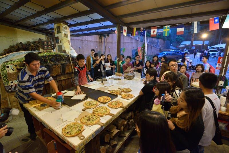 Patrony przy pizzeria zdjęcie stock