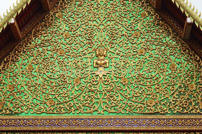 Patroon van de Thaise stijl van het tempeldak royalty-vrije stock afbeeldingen